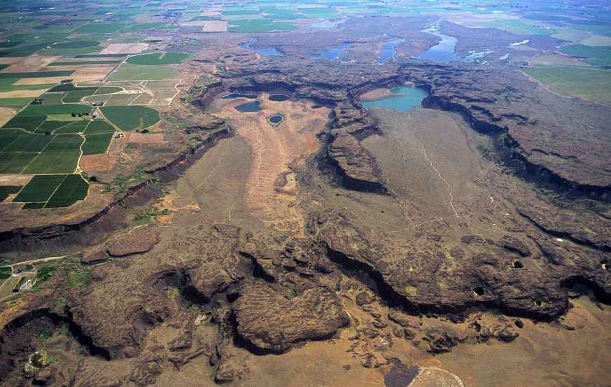 Potholes Coulee and Scablands